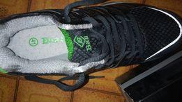 Продам НоВыЕ беговые кросовки р.41