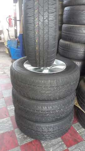 ".17"" Toyota hilux mags and Bridgestone tyres"
