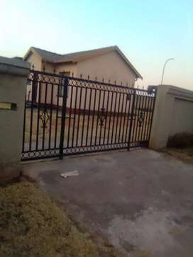 House for Rent in Spruitview