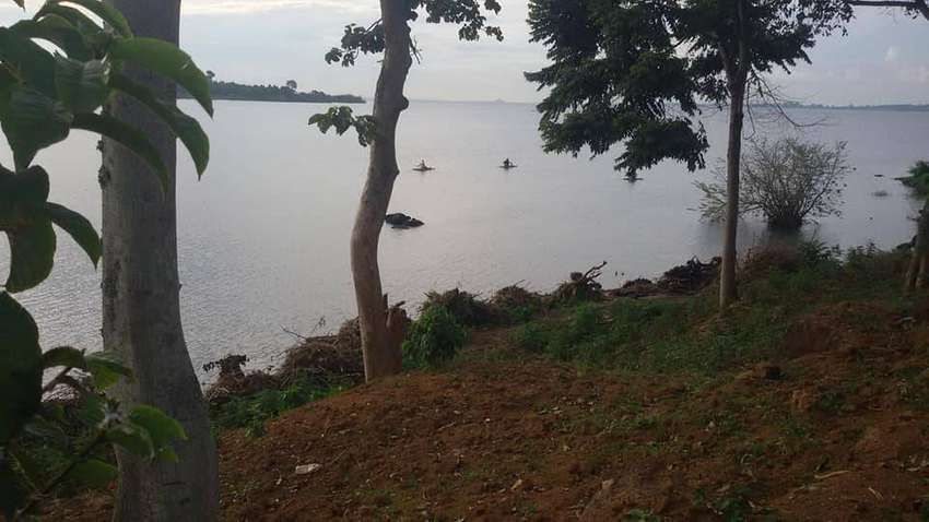 Amazing 2 acres of land on sale in Entebbe-Bugiri each is at 450m 0