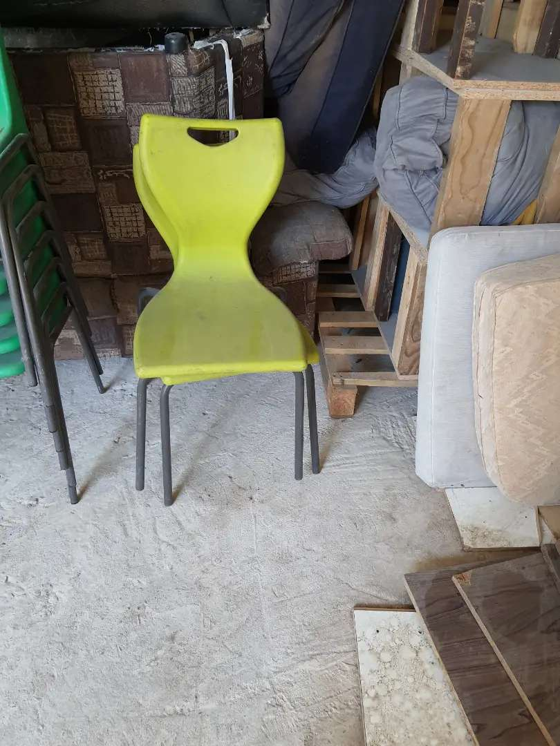Chairs for sale 0