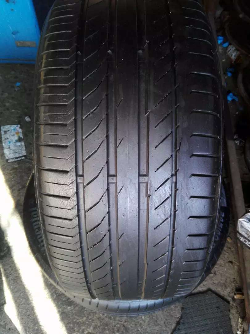 X2 good second hand tyres 245/40 R 18 Continental Normally