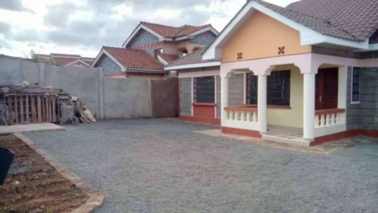 house for in kericho 3 bedrooms bungalow en suite. 0