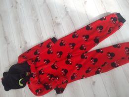 Sprzedam piżamie 152 cm