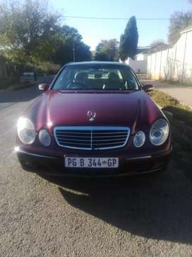 Mercedes E240 elegance with panoramic sunroof - mechanically 100%