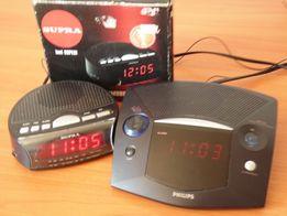 Часы на стольные с радио и будильником.