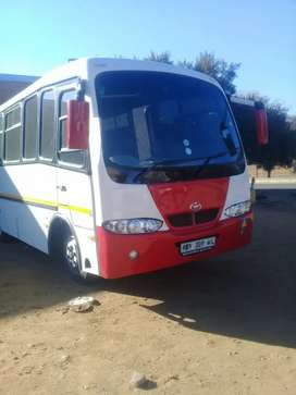 30 seater hino 300 or swap with 4 ton or 8 Ton truck