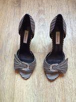 Полосатые стильные женские туфельки туфли босоножки фирмы Dune
