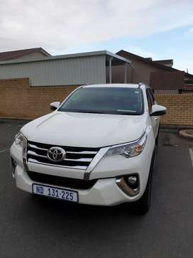 Toyota fortuner 2.4 gd6 4×4 auto