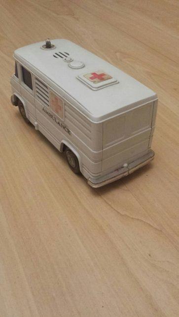 Model Mercedes ambulans Made in Japan Łódź - image 2