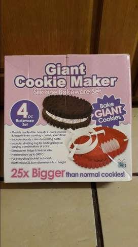Giant cookie maker