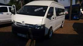 2.7 Quantum 13 seater on the road with papers
