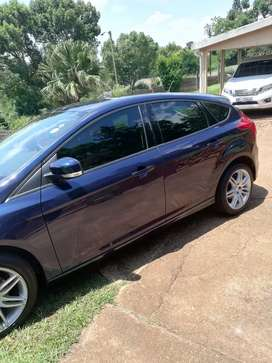 Blue Ford Focus for sale in good condition and nothing to repair