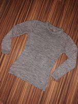 Szary sweterek ze swiecaca nitka s m kokardki