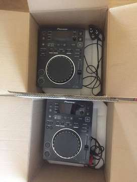 Pioneer CDJ 350 pair for sale. Good condition
