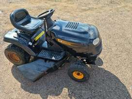 McCulloch M13597 6 speed OHV Ride on Lawn mower
