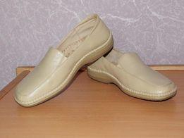 Продам туфли бежевые, кожзам