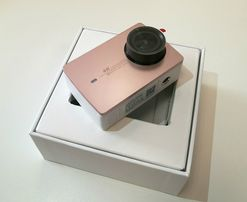Шикарная видеокамера Xiaomi 4K rose gold+подарки. Срочно