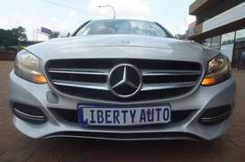 2014 Mercedes-Benz C-Class C200 Sedan 120,000km Automatic LIBERTY AUTO