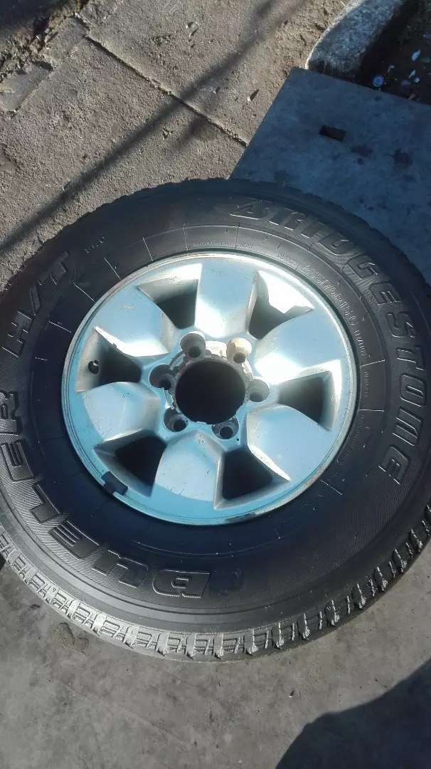 15 inch 4X4 spare mag rim with a tyre for sell 0