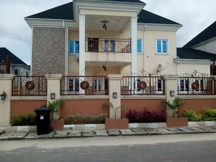 EXECUTIVE LUXURY 4 BEDROOM DUPLEX FOR RENT IN NAF HARMONY ESTATE PH. 0