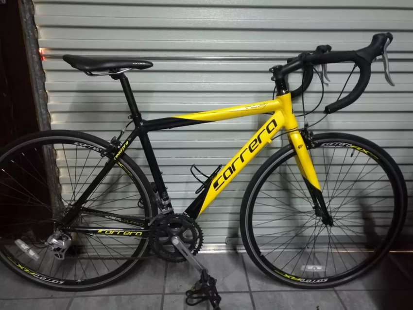 Aim selling my Carrera road bike in good condition if you interested 0