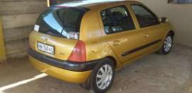 Selling  my Renault Clio 2
