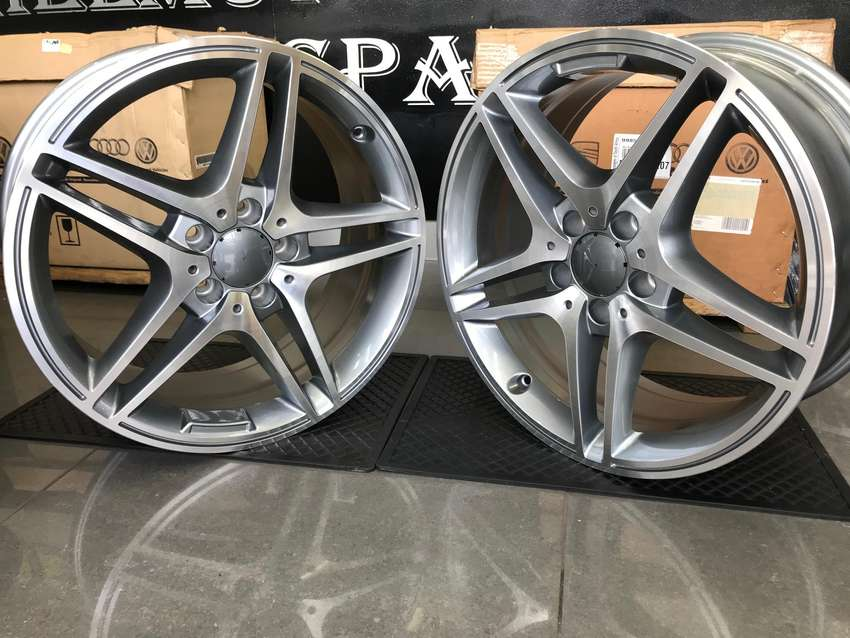 18 Inch MB Roadster mags , Narrow and wides 0