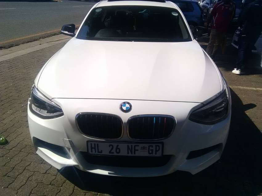 WHITE BMW 125i HATCH SUNROOF  AUTOMATIC 0
