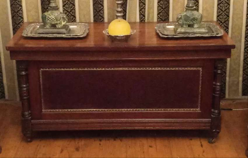 Edwardian mahogany coffee table with burgundy leather tooled inlay
