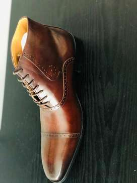 High end brown italian formal shoe