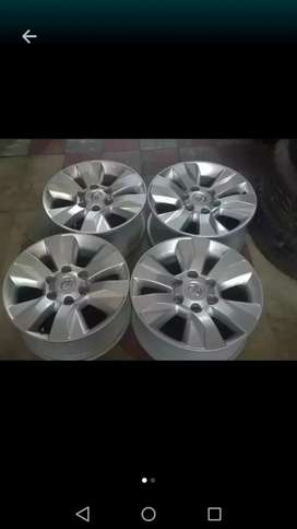 """17"""" new edition Toyota hilux mag wheels."""
