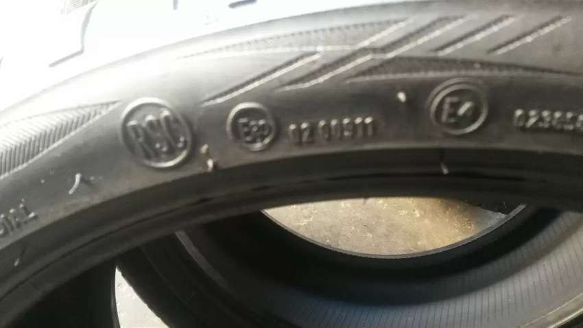 2×255/35/19 two BRIDGESTONE RCS tyres for sale 0