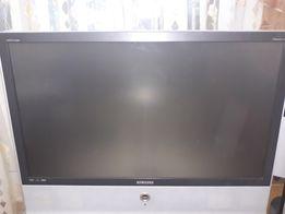 Продам проэкционный телевизор на запчасти