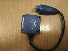 2Schneider Electric XS9C11RMBL01U20. Индуктивный датчик