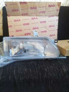 Baby camry Toyota conquest headlight right side R320 neg