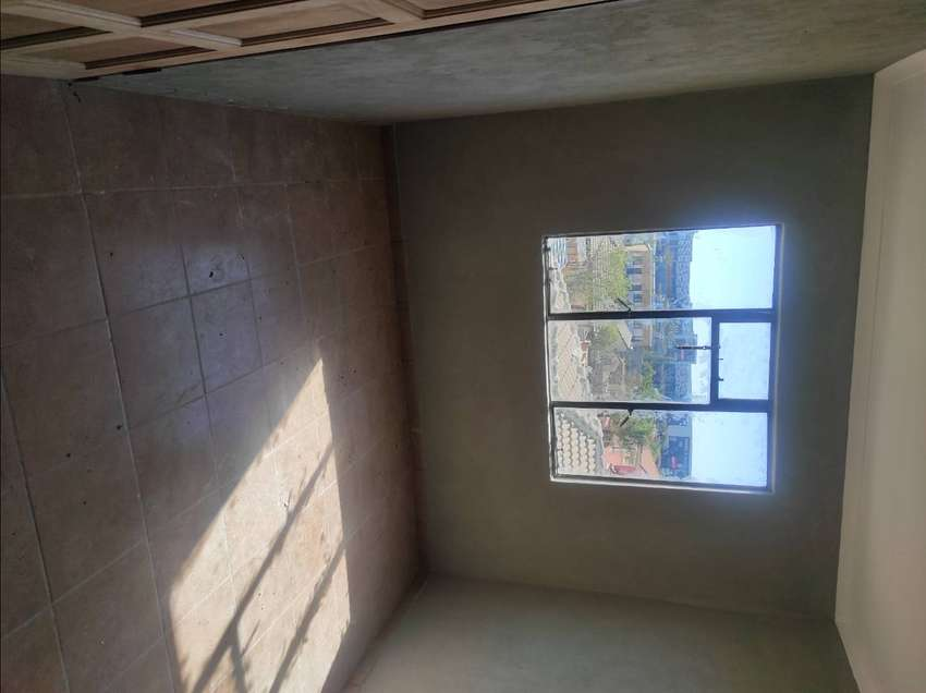 En-suite available for rental at Olieven Ext 36