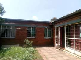 Germiston Central : 3 bed flat available