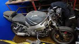 Kawazaki ZX 9 2002 sell for parts or as whole