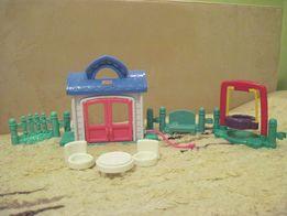 Zestaw Fisher Price Little People domek, huśtawka, stolik, krzesełka