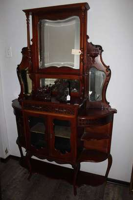 Edwardian mahogany display cabinet with bevelled mirror