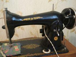 Машинка швейная с электроприводом