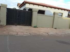 A outstanding fully fenced house in Orange Farm