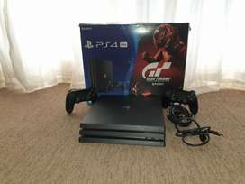 Ps4 Pro 1tb with Games and 2 controllers