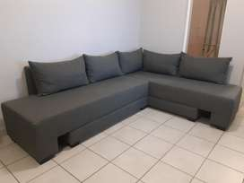 Sleeper Couch, Converts to two single bed or a double bed.