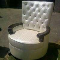 Chair at an affordable price 0