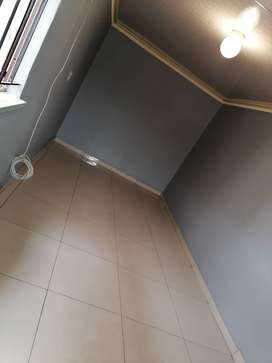 Garage available IMMEDIATELY in Zola North