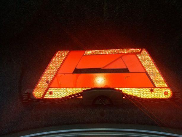 Знак аварійної зупинки ауді а4 б5 розборка Радехов - изображение 1