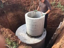 Сливная яма с ЖБИ колец.Сантехник.Чистка канализации.