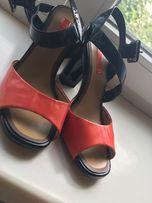 Продам туфли!!! Одевались 1 раз!